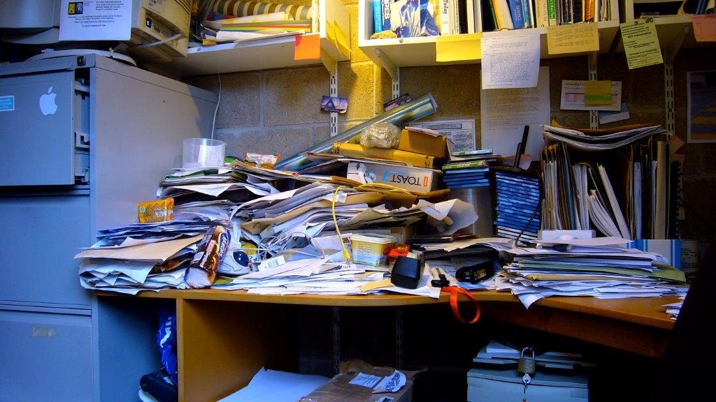 messy-desk