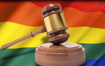 Florida Judge Strikes Down Marriage Amendment