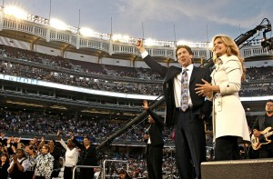 Joel Osteen and wife, Victoria Osteen, at Yankee Stadium in 2009
