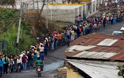 Hungry Venezuelans Sleep In Endless Grocery Lines As Food Shortage Crisis Worsens