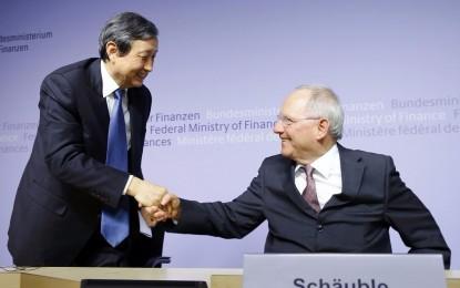 US Lobbying Fails as Allies Flock to China-Led Bank