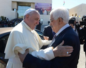 Pope Francis with Palestinian President Mahmoud Abbas (Photo: Reuters)
