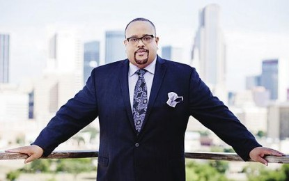 Fred Hammond Recording Live Music for First Time Since 1999