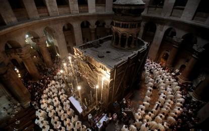 Christians unite to renovate Christ's tomb