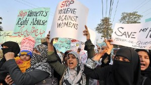 pakistan-bans-honor-killings