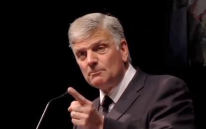 Graham Warns America: Put Trust In God, Not The Biased Media