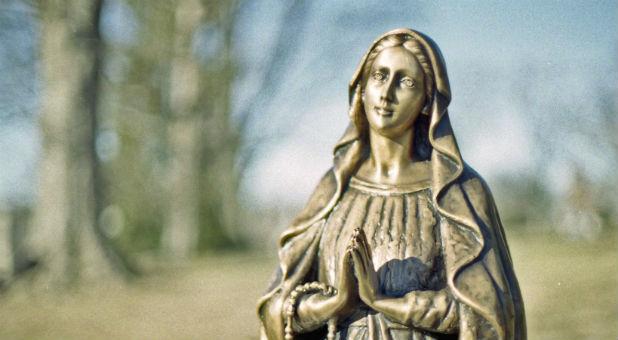 Mary Worship, Purgatory and 3 More Big Problems With Roman Catholic Theology