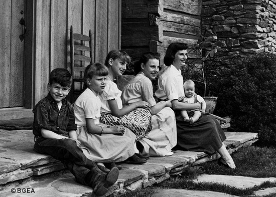 GO! Conference 3 - Ruth-Bell-Graham-with-children-in-1958-Montreat