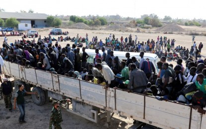 Thousands of trapped migrants discovered in Libya
