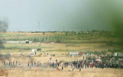 IDF Drops Leaflets Warning Gaza Residents Not to Riot at Border