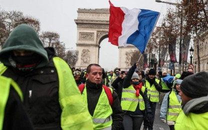 Tax-Burdened Yellow Vest Protestors Reach Tipping Point in France, and Macron Gives In… a Little