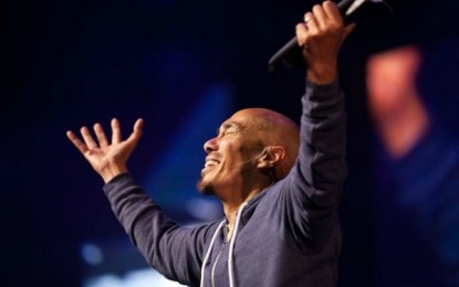 Francis Chan Challenges Christians: Stop Idolizing Family, Put Christ's Mission First